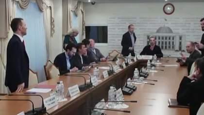 """БПП і """"Народний фронт"""" зірвали засідання Антикорупційного комітету"""