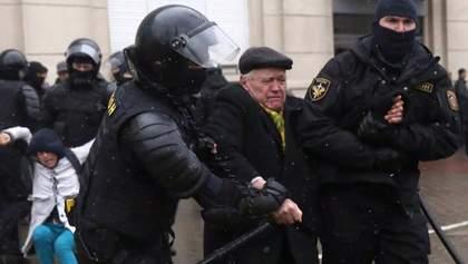 """Безумный мир. """"Оттепель миновала"""": какими будут последствия масштабных протестов в Беларуси"""