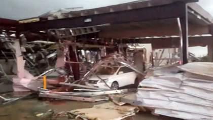 Смертоносные торнадо пронеслись по Техасу: появились жуткие видео