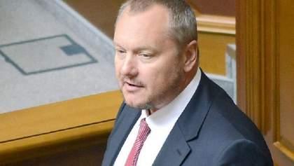 Правозахисник роз'яснив ситуацію з позбавленням громадянства Артеменка