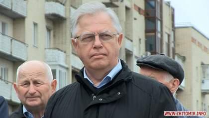Лидер коммунистов Симоненко праздновал первомай в Житомире: без столкновений не обошлось