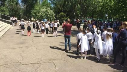 Бойовики цинічно обстріляли Красногорівку, коли діти вийшли вшанувати пам'ять ветеранів