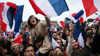 Взрыв безудержной радости: как Париж празднует избрание Макрона президентом