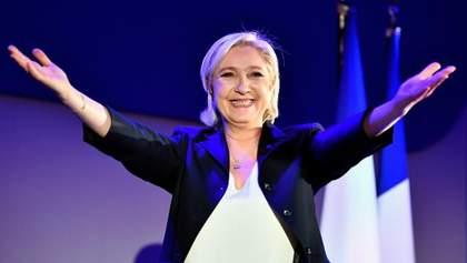 """Ле Пен повертається: """"Національний фронт"""" знову з головою"""