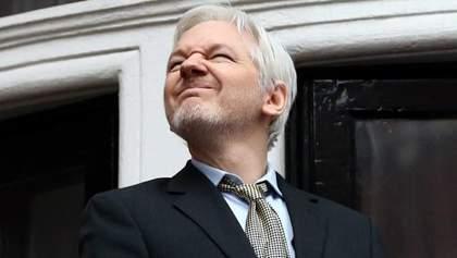 Швеция закрыла дело против скандального основателя WikiLeaks: он уже радуется