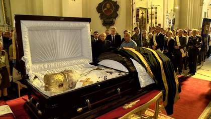 Его провожали аплодисментами: как прощались с великим украинцем Любомиром Гузаром