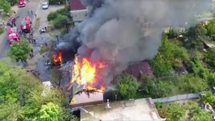 Величезну пожежу в Києві зняли з висоти пташиного польоту
