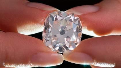 Женщина приобрела раритетное бриллиантовое кольцо за 10 фунтов в Великобритании