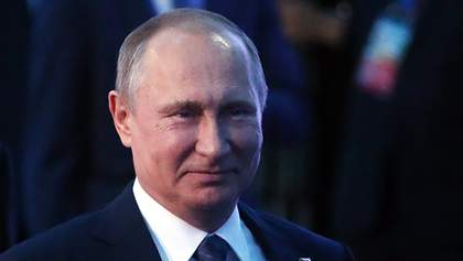 Карикатурист высмеял Путина-неженщину