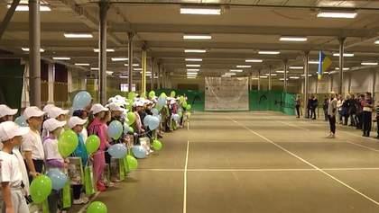Благотворительный фонд Ростислава Мельника возрождает детский теннис