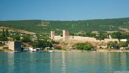 Крым в оккупации: во что превратилась когда-то курортная Феодосия