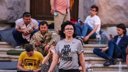"""Як депутати від """"Самопомочі"""" протестували проти сміттєвої блокади Львова"""