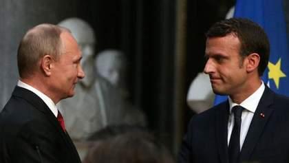 Макрон кивнул на Путина: мы знаем кто развязал ситуацию на Донбассе
