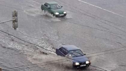 Сильний ураган та злива вирували на Луганщині: з'явилось фото