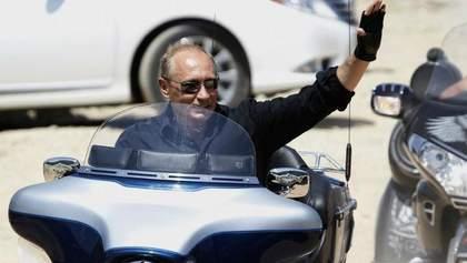 Путин похвастался незадекларированным мотоциклом в своем автопарке