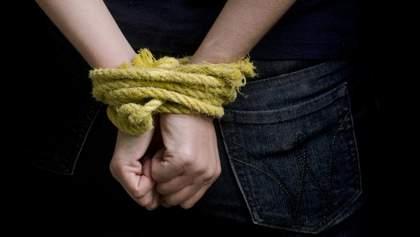 В Кременчуге нападающие на иномарке похитили человека
