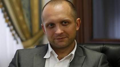 Фотофакт: Поляков нарешті одягнув електронний браслет