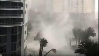 """Ураган """"Ірма"""" вирує у Флориді  – Маямі йде під воду: апокаліптичні відео"""