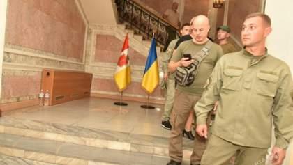 Активисты покинули захваченный Одесский горсовет не дождавшись Труханова