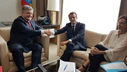 Порошенко встретился с Макроном: появились детали разговора президентов