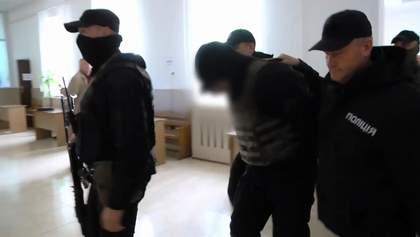 Суд взяв під варту трьох чоловіків, яких підозрюють в обстрілі консульства Польщі в Луцьку
