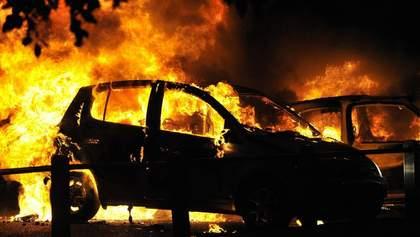 У Києві під час руху спалахнуло авто