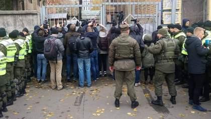 Медики из зала суда забрали Кохановского в больницу