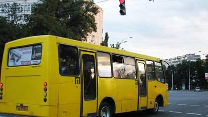 Кличко поручил проверить киевских перевозчиков из-за смертельного ДТП с маршруткой