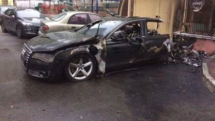 У Києві згорів автомобіль водія екс-міністра інфраструктури, – ЗМІ