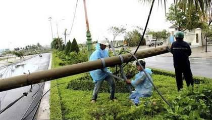 """Нищівний тайфун """"Дамрі"""" вбив більше 60 людей у В'єтнамі"""