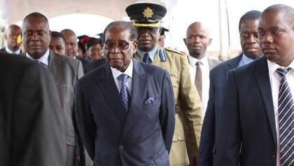 Мугабе втік із Зімбабве, – британські ЗМІ