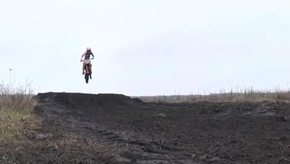 Звезда мотокросса: 14-летний Семен Неруш – восьмикратный чемпион Украины