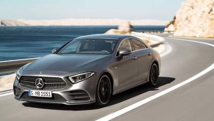 Новый Mercedes CLS ездит на автопилоте и светит ярче всех