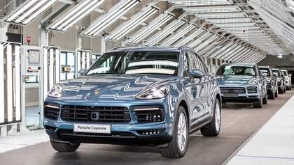 Для виробництва розкішного Porsche Cayenne потрібні українці