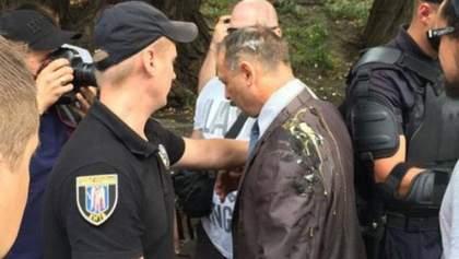 """Трьом активістам """"Автомайдану"""" оголосили підозру у побитті нардепа"""