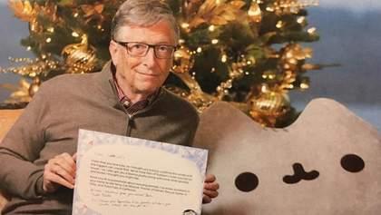 Билл Гейтс подарил гигантского кота на Рождество пользовательнице Reddit