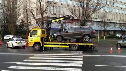 Как нельзя парковаться и какой штраф за это светит: новые правила