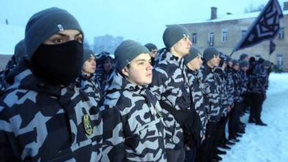 """Білецький пояснив, чому бійці """"Національних дружин"""" приховують обличчя балаклавами"""