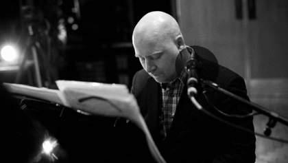 """Помер композитор, який написав музику до фільму """"Всесвіт Стівена Хокінга"""""""