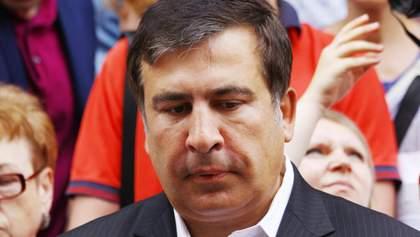 """Появилось новое видео с задержания Саакашвили: политика """"держали"""" за волосы"""
