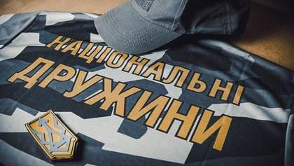 """Озброєні члени """"Національних дружин"""" спровокували конфлікт на Івано-Франківщині"""