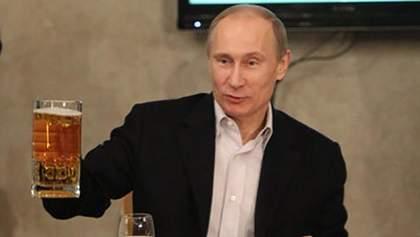 Путін похвалився незвичним подарунком, який інколи надсилає йому Меркель