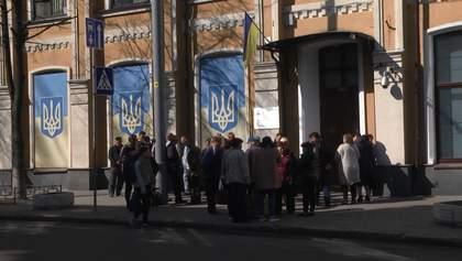 Фермеры в Киеве пикетировали скандальное дело рейдерского захвата