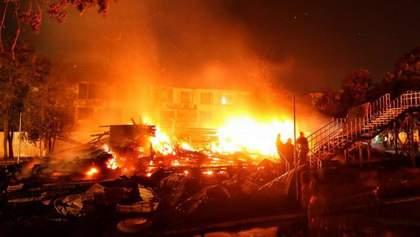 Пожежа в таборі Одеси: екс-директора госпіталізували до лікарні