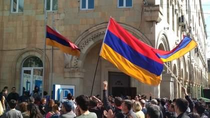 Протести у Вірменії: стало відомо, скільки міністрів вже подали у відставку
