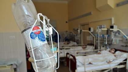 Масове отруєння дітей у Черкасах відбулось лише на території школи, – МОЗ