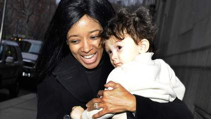 Екс-зірка Playboy викинулась з 25-го поверху і взяла на загибель з собою семирічного сина