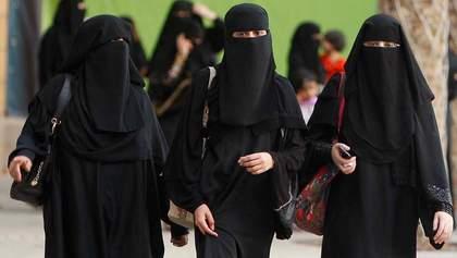 У Данії заборонили носити нікаб і бурку