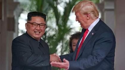 """""""Все минуле – позаду, і світ побачить значні зміни"""": підсумки зустрічі Трампа та Кім Чен Ина"""