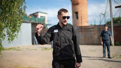 Брат российского оппозиционера Алексея Навального вышел на свободу